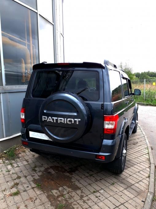 Спойлер со стоп-сигналом УАЗ Патриот
